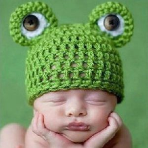 Newborn Photography Prop - Baby frog eyes green hat